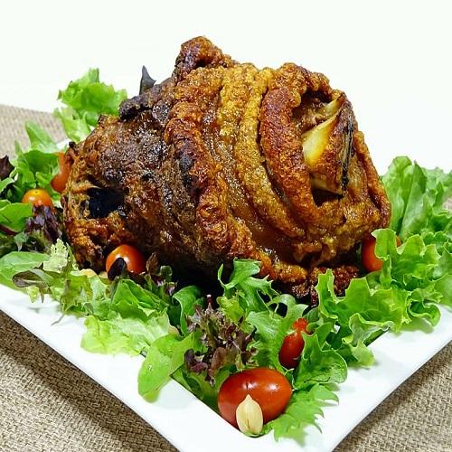ham-hock-pork-knuckle-roasted-meat